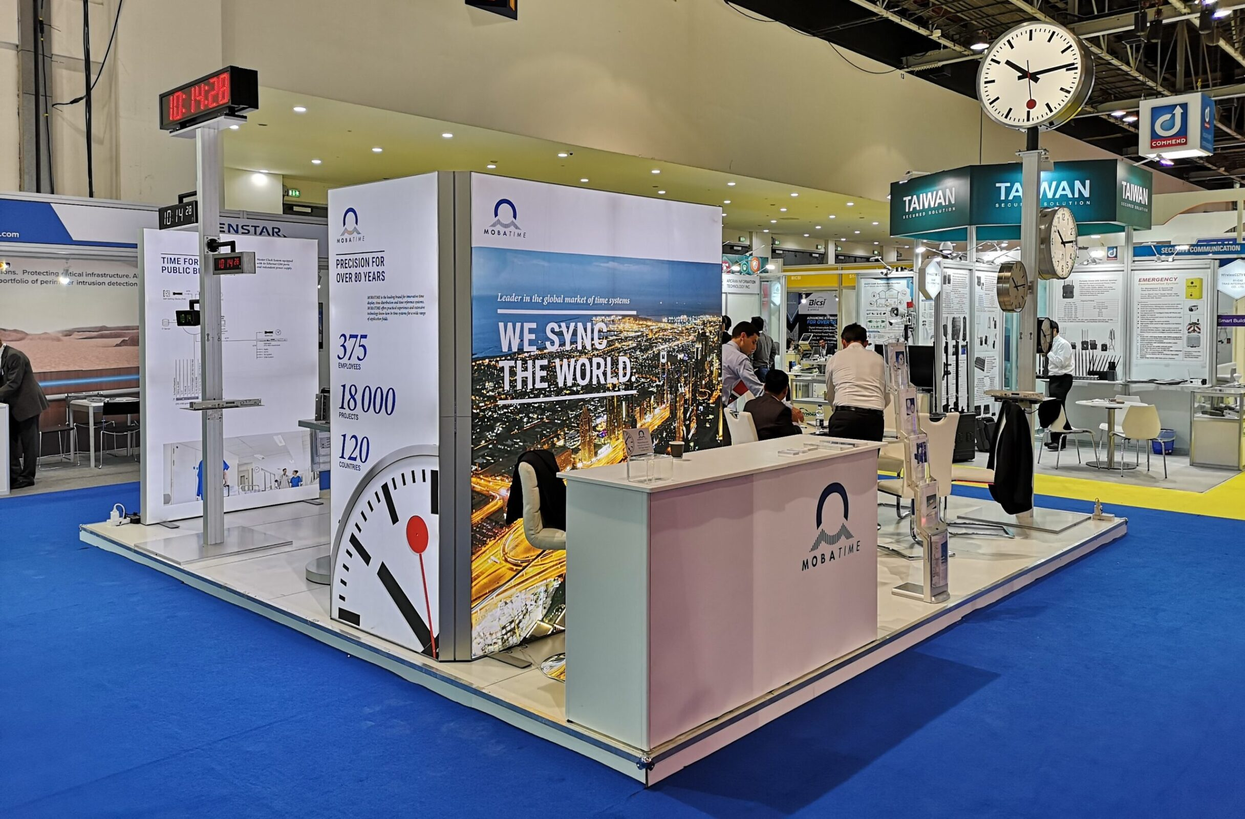 Intersec MOBATIME Booth, analogue and digital Clock Stand