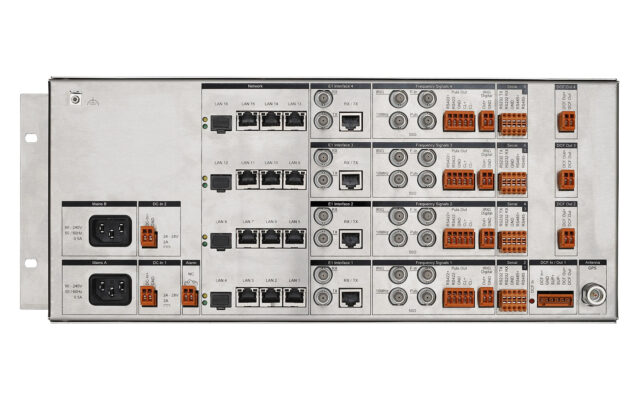 Mobatime dts4210-2 back view NTP PTP 16 network ports (IPv4/IPv6) Time server DCF E1 SyncE pulse frequenz phase synchronization