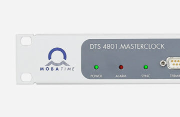 Mobatime DTS4801. masterclock NTP DCF Polarized Impulses seriel telegram front view