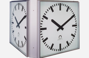 Mobatime PROFILINE 4-SIDED outdoor clock analogue